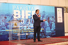 Kiwck Doctor representative is presenting his startup  at Pakistan Business Investment Franchise Forum 2018.